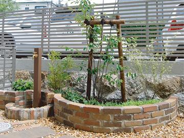 庭のフォーカルポイントの写真