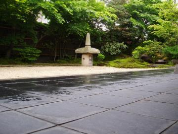 四季を感じる庭園の写真