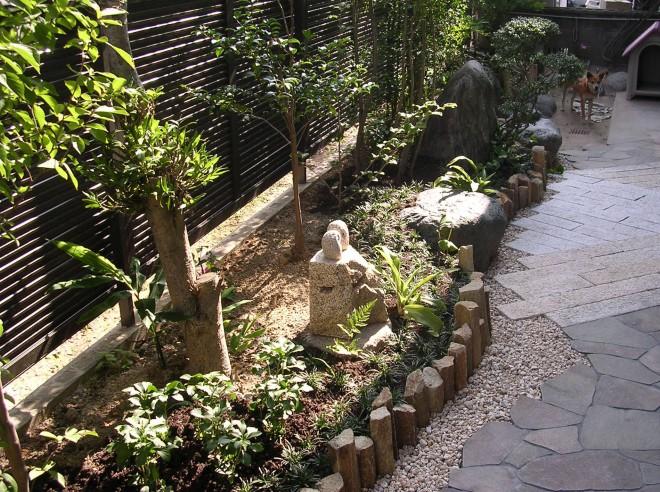 季節のうつろいを家族で楽しむ庭のメイン写真