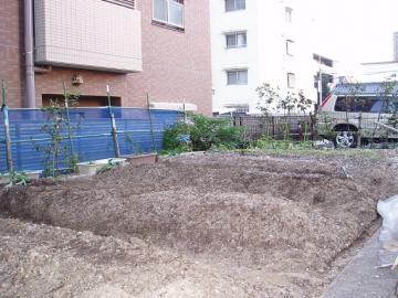 排水性を考慮した菜園の写真