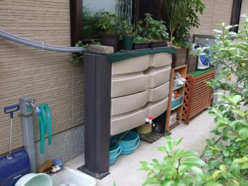 資源を有効に利用する雨水タンクの写真